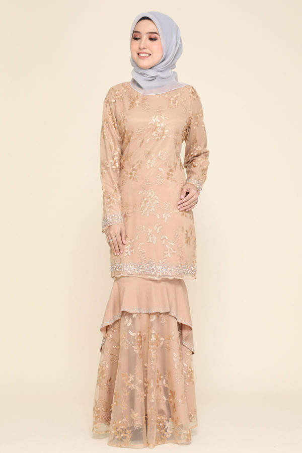 Dress Careena Mocha (no cape)