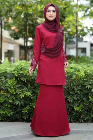 Kurung Arisya Maroon