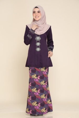 Kebaya Aisha Dark Purple