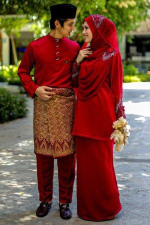 Set Couple Seri Maroon