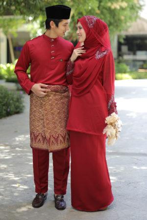 Set Couple Seri Maroon (7 ITEM – Termasuk Percuma Songkok)