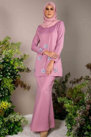 Kurung Eriyca Dusty Purple