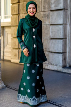Kebaya Sareema Emerald Green