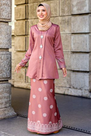 Kebaya Sareema Rose Gold
